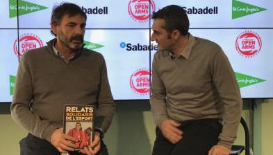 Ernesto Valverde entrega la recaudación de Relatos Solidarios del Deporte