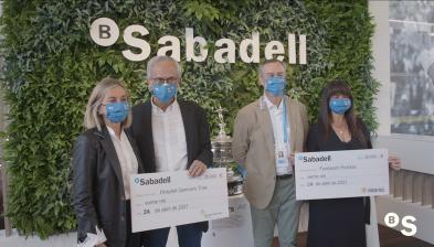 Banco Sabadell entrega los 'aces' solidarios a Fundación Probitas y al Hospital Germans Trias i Pujol